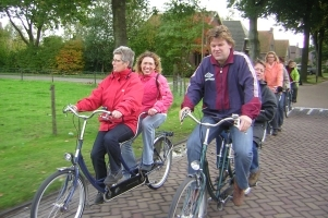 tandems biking whisperboat Giethoorn